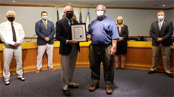 Nags Head Board Recognizes Water Operations Supervisor David Perry for 25 Years